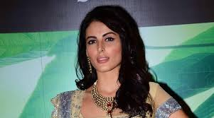 Top Controversies Of Former Bigg Boss Contestant Mandana - roopal tyagi out of bigg boss 9 says mandana karimi is the most
