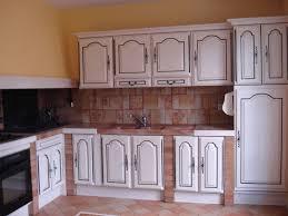 comment repeindre sa cuisine en bois rnover sa cuisine rustique une teinte sur mesure avec le plan de