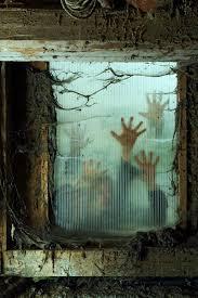 scariest halloween houses diy scary halloween props diy scary halloween 25 cool outside