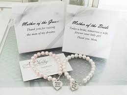 wedding gift jewelry of the pearl strand bracelet of the groom