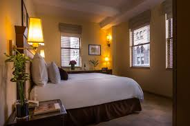 chambre theme new york the library hotel midtown manhattan original rooms in manhattan