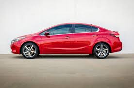 kia forte reviews research new u0026 used models motor trend