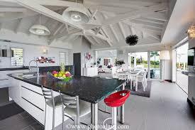 villa cuisine location villa de luxe vue mer vue d ensemble guadeloupe my
