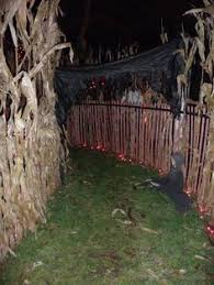 Backyard Haunted House Ideas Plans Of Your Backyard Haunted Maze Google Search Halloween