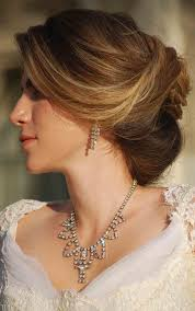 hairstyles for mother of the bride oval shaped face best ideas of dishevelled beehive hairstyle for brides with round
