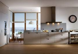 cuisine taupe cuisine blanche et taupe get green design de maison