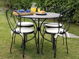 metal garden chairs with playful details wrought iron 20 ideas
