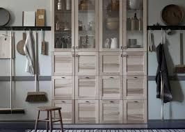 magasin ikea cuisine interessant ikea agencement cuisine vitrine vaisselier de bois