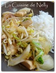 cuisiner le chou chinois cuit wok de chou chinois et poulet la cuisine de nelly