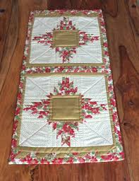 gold christmas table runner christmas table runners and mats sunpatch quilts
