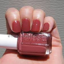essie nail polish in in stitches such a fan of this rosy shade