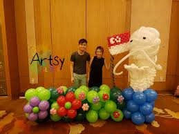 wedding backdrop singapore singapore themed balloon backdrop for a wedding singapore