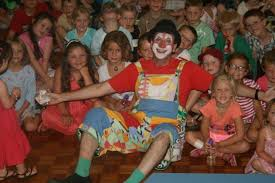clown entertainer for children s kids party entertainer auckland clowns birthday party clowns children s entertainers
