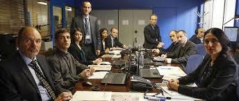 bureau des es le bureau des légendes ou jouir de la surveillance