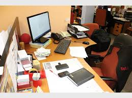 Things To Keep On Office Desk Keep Your Office Desk Tidy Alberton Record