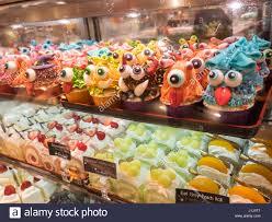 cupcakes bakery display stock photos u0026 cupcakes bakery display
