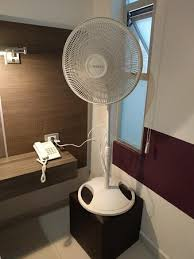Ottoman Fan How To Get Fresh Air Into Room 101 Fan On Ottoman Picture Of