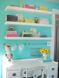 deco chambre turquoise 24 idées pour la décoration chambre ado étagères blanches deco