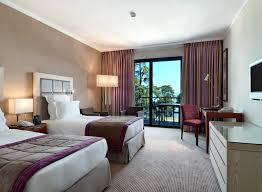 la chambre ville lits jumeaux dans la chambre de luxe de l hôtel à évian les