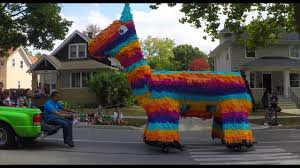2017 west chicago mexican independence parade 13ft piñata youtube