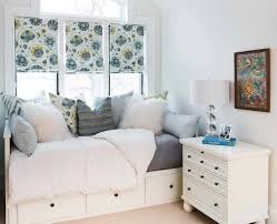 Decorating Small Bedroom The 25 Best Small Double Bedroom Ideas On Pinterest Bedroom