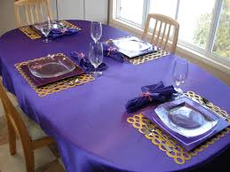 Table Setting Chargers - kitchenqueers com kq purple place setting table top ideas