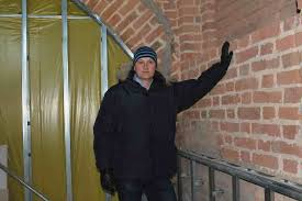Jan Karaszewski, właściciel obiektu - zdjęcie wykonane w czasie budowy na początku roku 2011. Autor: Anna Baranowska - gizycko-hotel-st-bruno-karaszewski-608756