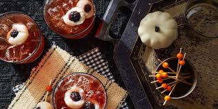 32 easy halloween cocktails u0026 drinks best recipes for halloween