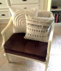 Simply Spray Upholstery Paint Walmart One Of Our Facebook Friends Shared This Upholstery Chair Makeover