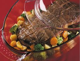 cuisiner un roti de boeuf au four rôti de boeuf et jardinière de légumes maggi