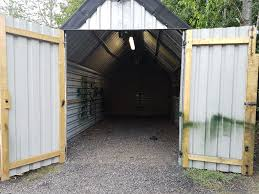 workshop garage barn to rent near tring 22ft x 10ft with lights