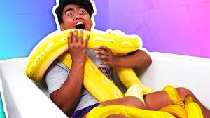 Challenge Bathtub Snake Bath Challenge