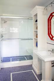 Glass Tile Border Bathroom Modern Bathroom Decoration With Square Glass Corner