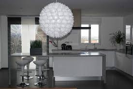 cuisine blanc deco cuisine gris et noir salon 7 blanc mur fonc233 violet