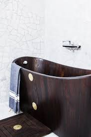 Alegna Bathtubs by