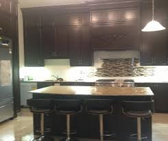 decorating advice to help you choose a new kitchen backsplash tile