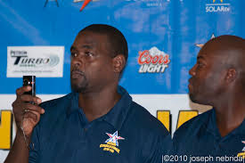 chris webber haircut file chris webber flip camera nba asia challenge 2010 jpg