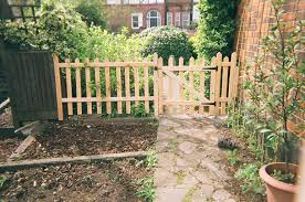 fences gartden fencing trellis gates and fencing