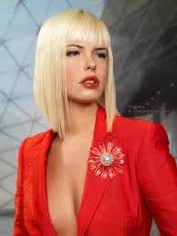 xtreme align hair cut long a line bob cut in an extreme angle to achieve very sharp points