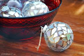 diy mosaic ornaments from cds by creme de la craft