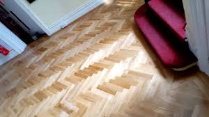 tips on how to lay parquet blocks in hallway