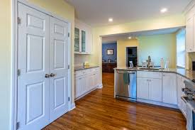 can you buy kitchen cabinets buying kitchen cabinets read this line