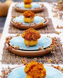 10 simply beautiful thanksgiving tablescapes saving by design