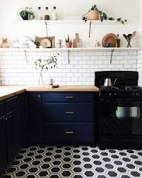 2017 kitchen trends you need in your life rn brit co all black everything black s always been a sophisticated color staple but this year it s making new moves in the kitchen expect to see an increase in