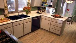 Painted Old Kitchen Cabinets by How To Paint Old Kitchen Cabinets Diy