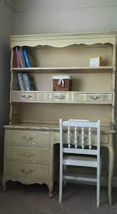 Henry Link Bedroom Furniture by I Would Like To Sell My Henry Link Little Girls French Provincial