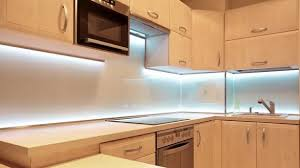 best under cabinet lighting options how to choose the best under cabinet lighting contemporary options