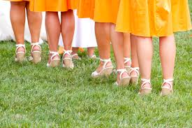 wedding shoes for grass steppin out a guide to the wedding shoes for outdoor
