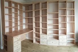bureau d angle bois massif fabrication d une bibilothèque bureau d angle sur mesure avec