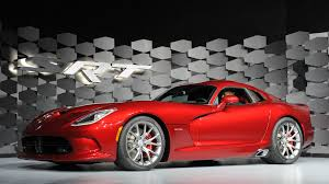 2013 dodge viper specs 2013 srt viper bites back with 640 hp returns to racing w